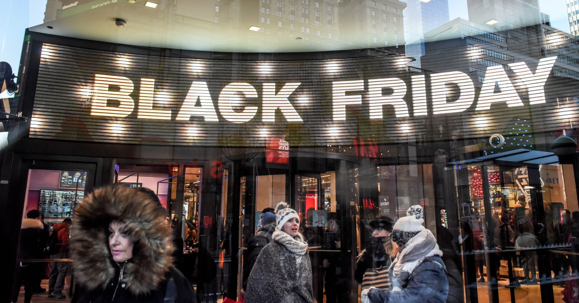 Black Friday pulled in a record $6.22 billion in online sales: Adobe Analytics